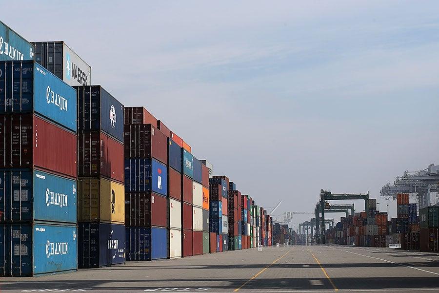 中美貿易戰開打,首戰雙方各向對方340億美元商品,加徵25%關稅。美方早有準備,中方應付無章法。(Justin Sullivan/Getty Images)