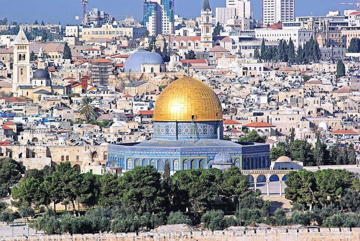 耶路撒冷對於穆斯林來說,是除了麥加、麥地那以外的另一個重要的聖地。圖為聖殿山上的圓頂清真寺。 (Berthold Werner / 維基百科)