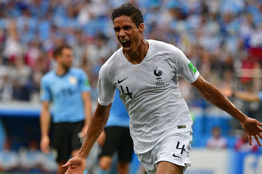 華拉尼慶祝進球,為法國先拔頭籌。(MLADEN ANTONOV/AFP/Getty Images)