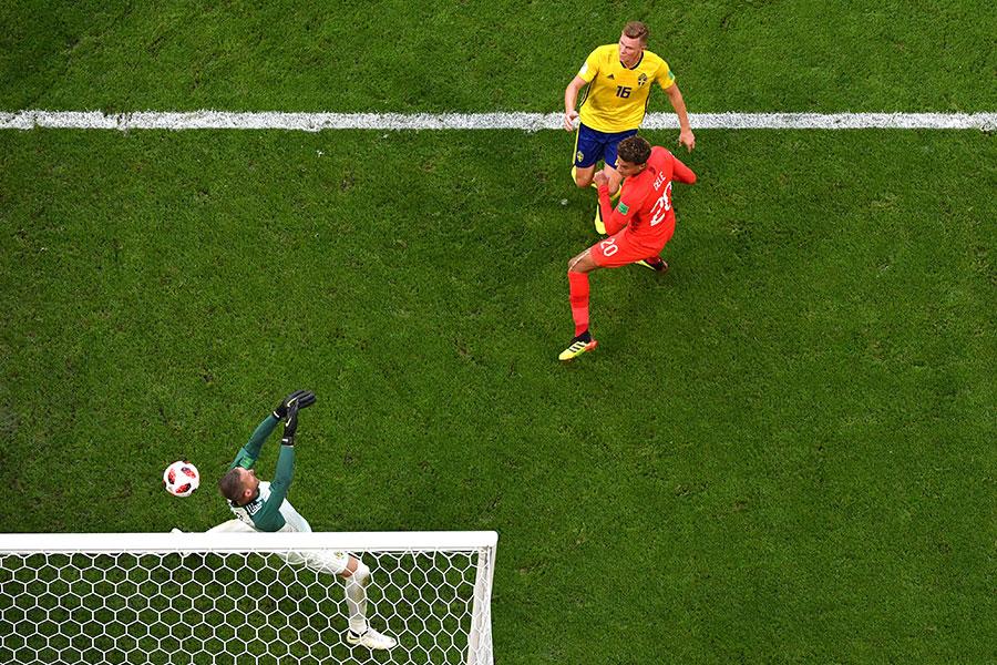 迪利阿里的頭球破門,幫助英格蘭將比分擴大為2比0,確定勝局。(Dan Mullan/Getty Images)