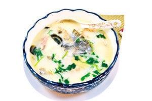 【梁廚美食】香荽皮蛋𩻃魚骨湯