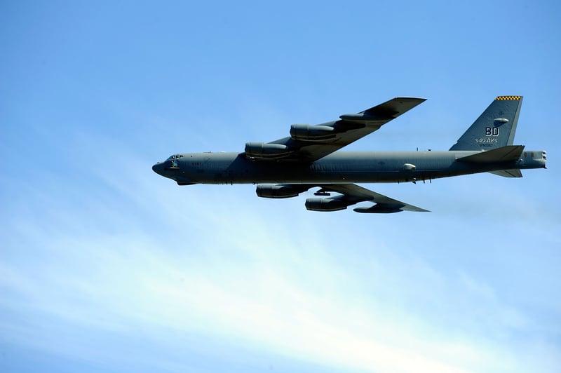 獨木舟太平洋失蹤6天 B-52轟炸機3小時找到