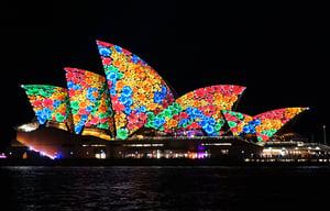 全球最大燈光節開幕 璀璨點亮悉尼夜空