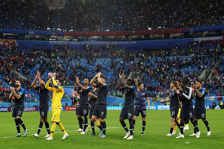 法國人慶祝史上第三次打進決賽。(Alexander Hassenstein/Getty Images)