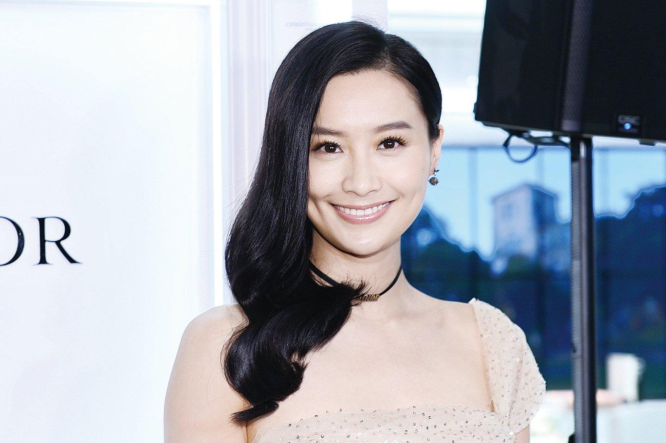 藝人陳法拉專程從美國回來,出席品牌香薰專門店開幕活動。(宋碧龍╱大紀元)