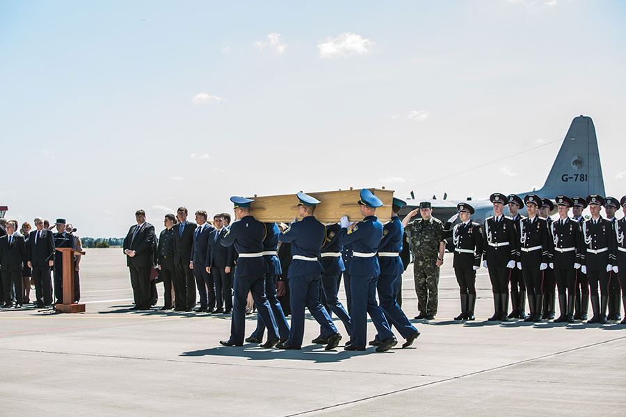 今年7月17日,正值馬航班機MH17空難四周年。當年荷蘭在處理這一事件中的表現,被讚具足「大國風範」。(Brendan Hoffman/Getty Images)
