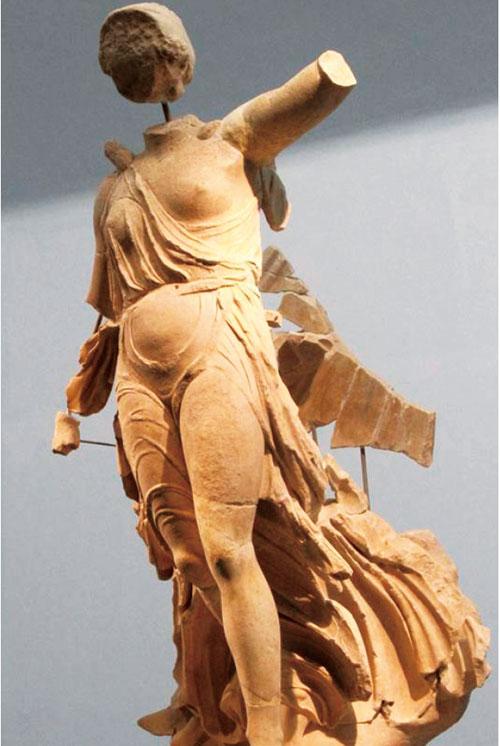 勝利女神雕像。