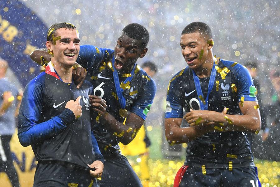 法國隊三名破門奪冠功臣(左至右):基沙文、保羅普巴和基利安麥巴比。(Matthias Hangst/Getty Images)