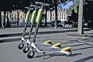 Uber投資共享單車Lime 提供一站式服務