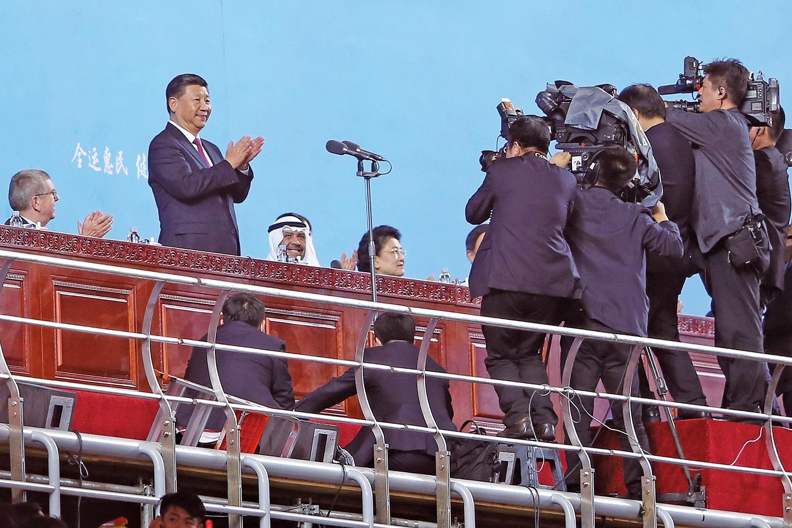 習近平近日三度就「接班人」問題喊話,令外界關注。圖為習出席去年8月27日天津全運會開幕式。(Getty Images)