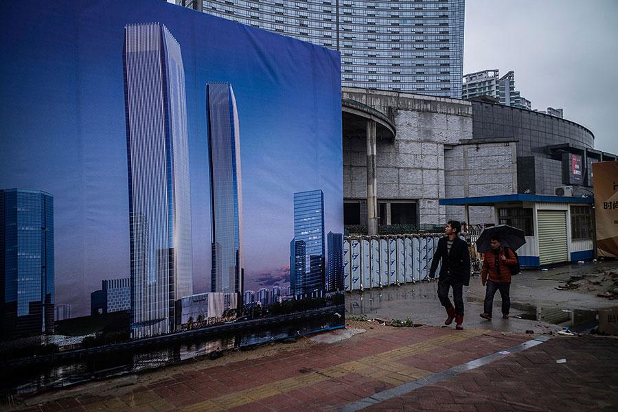 中國經濟增長在第二季度繼續放緩,6月工廠產出增長削弱至兩年來的低點。(Lam Yik Fei/Getty Images)