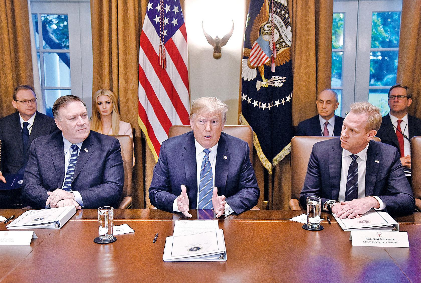 7月18日,特朗普總統在白宮主持內閣會議。(AFP)
