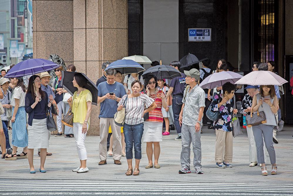 日本多地受高氣壓影響,持續一周多酷暑,有些地區氣溫高達40多度,創該國五年來最高溫紀錄。(Getty Images)
