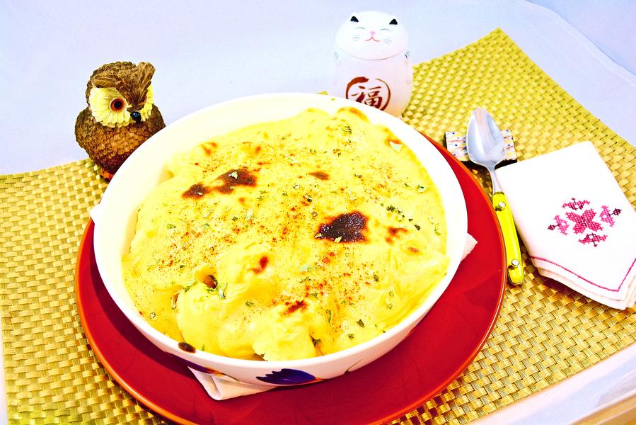 【梁廚美食】芝士汁焗椰菜花