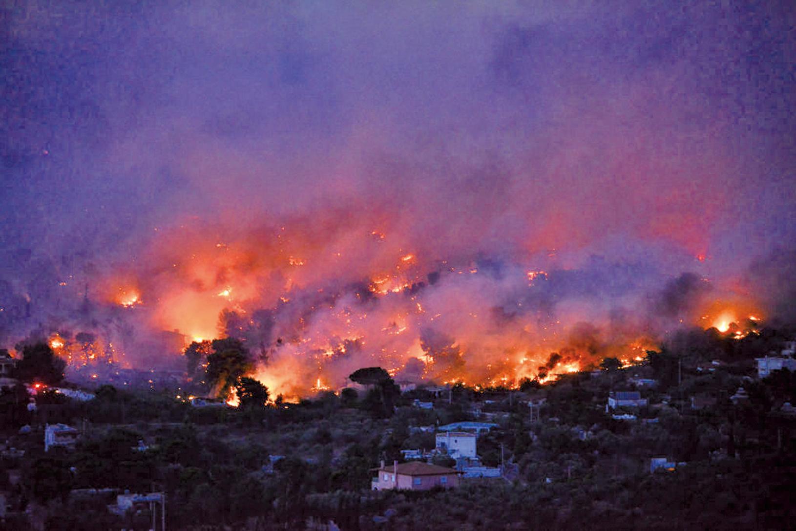 7月23日,希臘首都雅典附近爆發野火。(AFP)