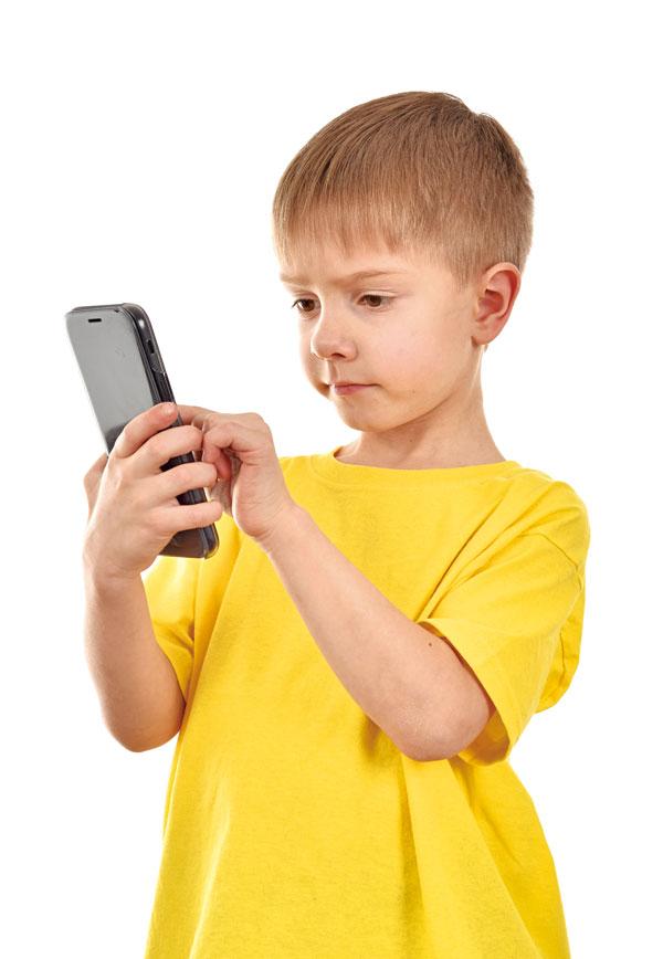 腦科權威:手機微波毀壞孩子大腦