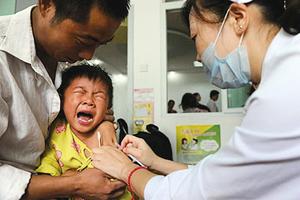 請給我一針歲月靜好疫苗 再來一針愛國疫苗