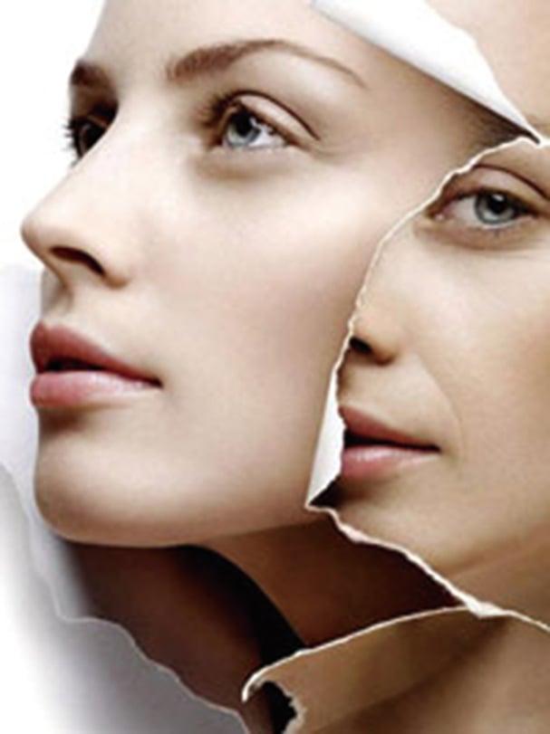 美國研究團隊發現,通過恢復線粒體功能,可讓出現皺紋和掉毛的小鼠皮膚恢復如常,有望為抗衰老提供新思路。(UAB)
