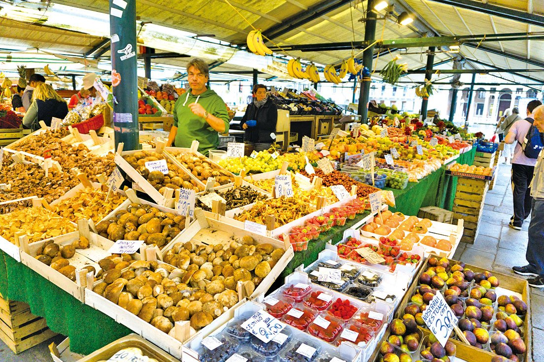 威尼斯人的飲食講究天然食材,少大魚大肉。