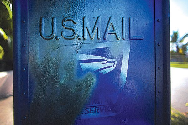 美國有多個州份的地方政府報告稱收到來自中國的可疑信件,當中包含裝有惡意軟件的光碟。(Getty Images)