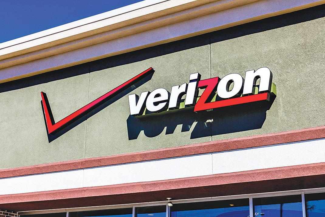美國電信業巨頭Verizon,計劃與谷歌或蘋果合作,透過5G網絡提供全新電視內容服務。(Shutterstock)