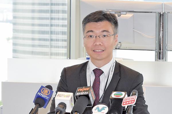彭博行業研究亞太區房地產行業高級分析師黃智亮預計本港全年樓價升15%。(郭威利/大紀元)