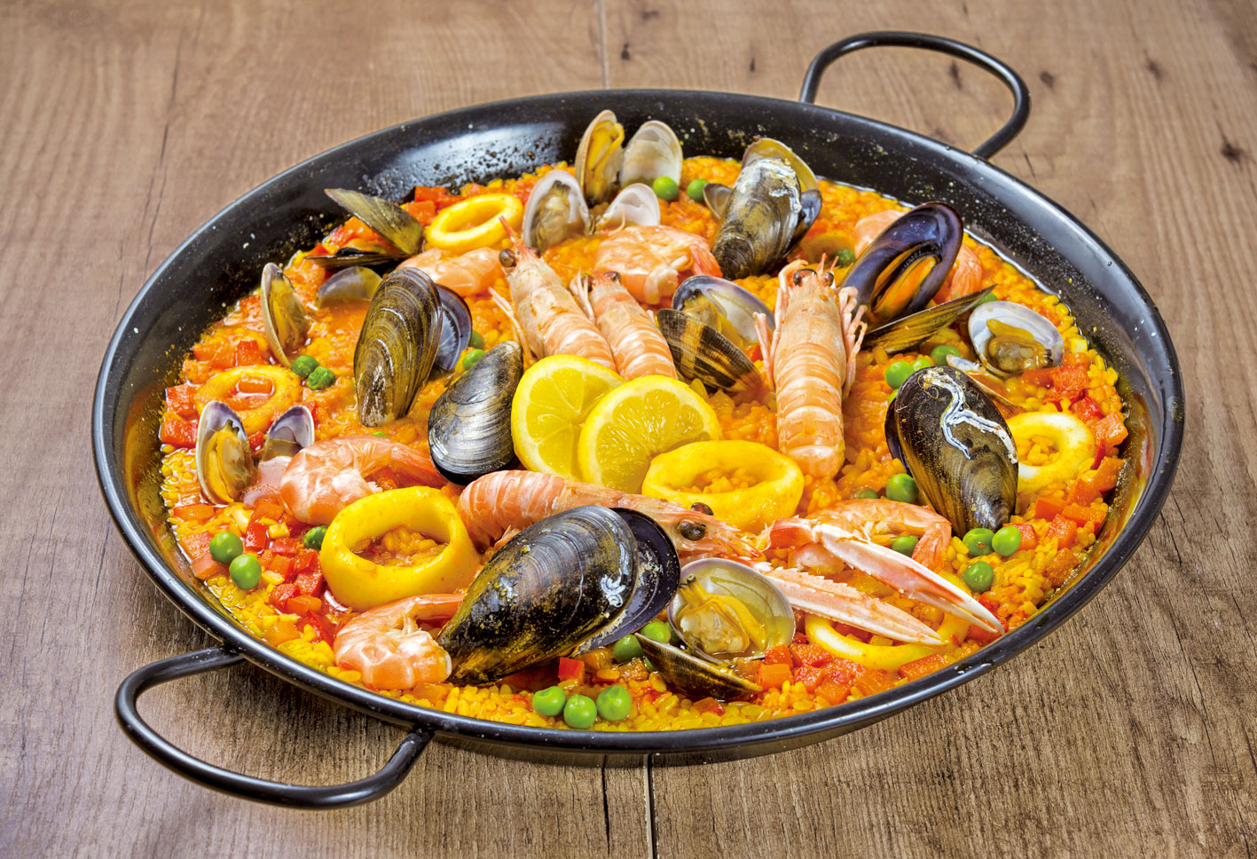 風靡世界的西班牙海鮮飯。