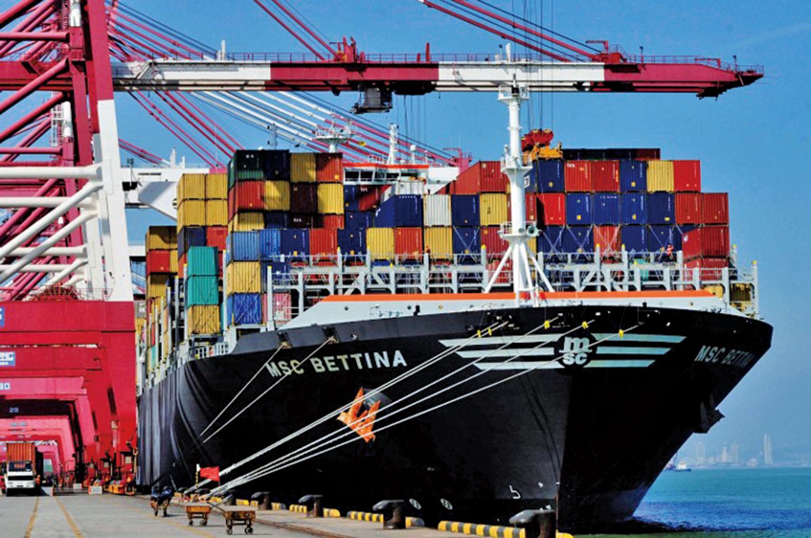 美國總統特朗普表示,對中國進口商品徵收高額關稅的策略奏效,北京正在與美國進行貿易協商。(AFP)
