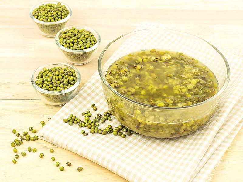 銀耳蓮子綠豆湯  夏日食補良方