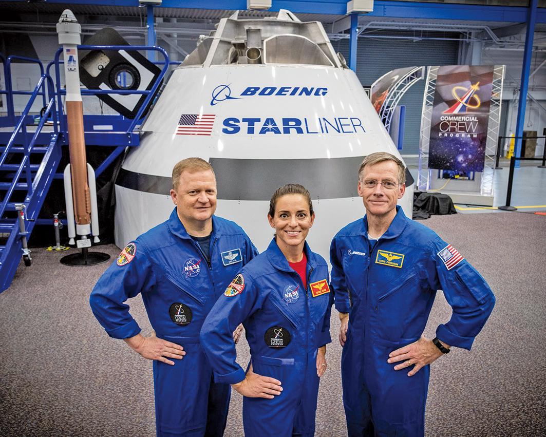 太空人埃里克博(Eric Boe)、妮可爾曼恩(Nicole Mann)和克里斯弗格森(Chris Ferguson)三人將乘坐波音公司的「星際飛船」前往國際空間站。(NASA)