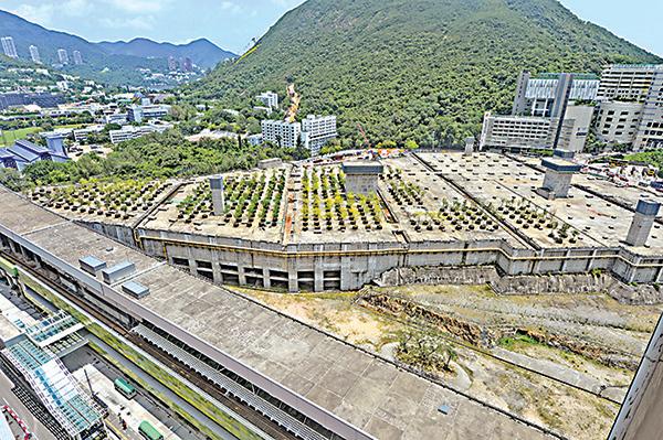港鐵黃竹坑站第3期7日截標,共收到5份標書,入標者主要為本地大型發展商。(宋碧龍/大紀元)