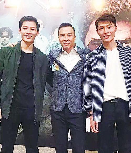 甄子丹(中)與電影《大師兄》中的雙胞胎演員合照。(湯君慈IG圖片)