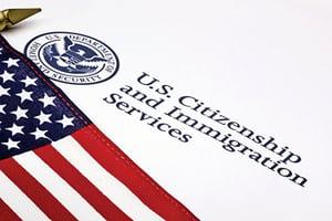 圖片新聞 美擬出新規  領福利移民難拿綠卡和入籍