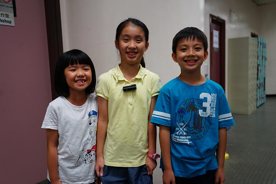部份受訪小演員(由左至右):黃芯渝,廖詩蕊,黃梓濤。(曾蓮/大紀元)