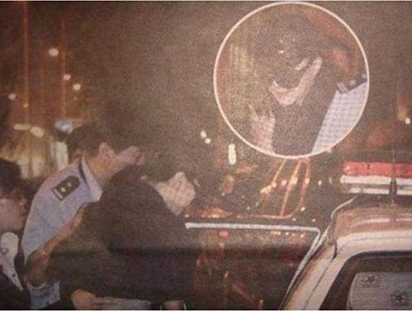 本月8日,網絡盛傳范冰冰被警方押上警車的照片。(網絡圖片)