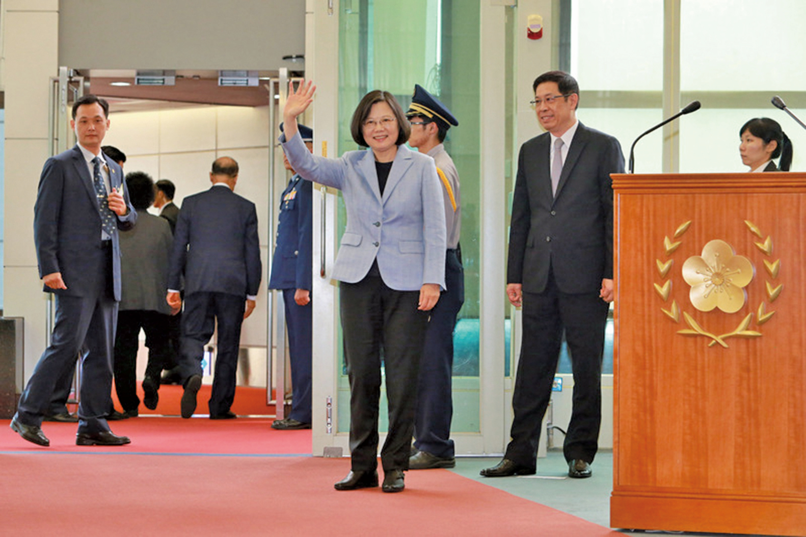 中華民國總統蔡英文出訪中南美前過境美國洛杉磯,受到當地僑民熱烈歡迎。(中央社)