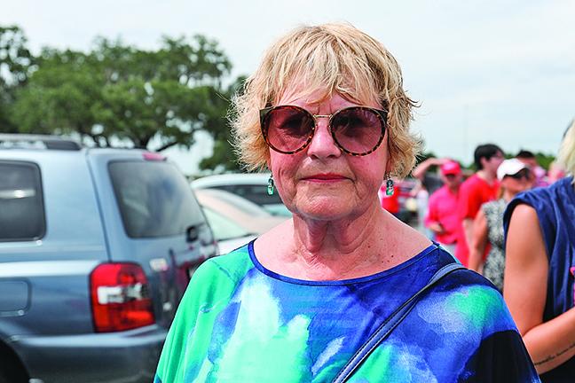 79歲的Dianne Wilhelm:傳統價值觀的下滑與社會主義有關。(Charlotte Cuthbertson∕大紀元)