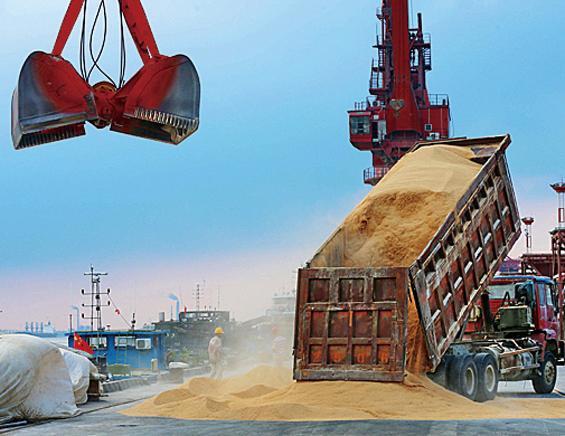 貿易戰後海上漂流月餘 美首艘大豆船入大連港