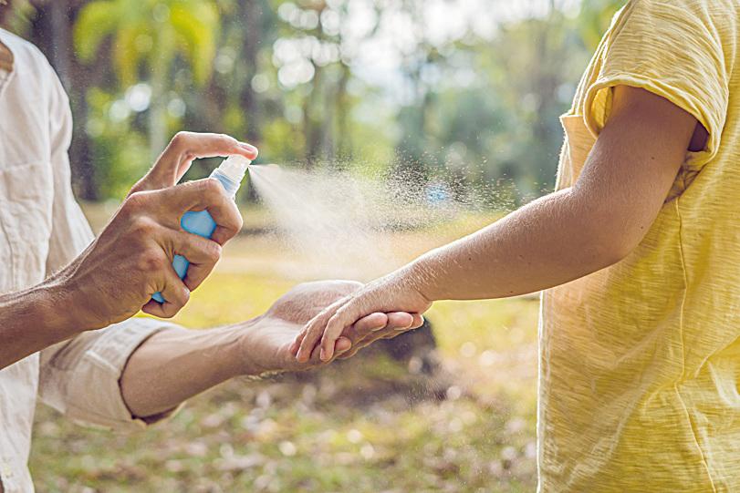 蚊子咬一口 兩歲嬰眼腫成蜂窩性組織炎