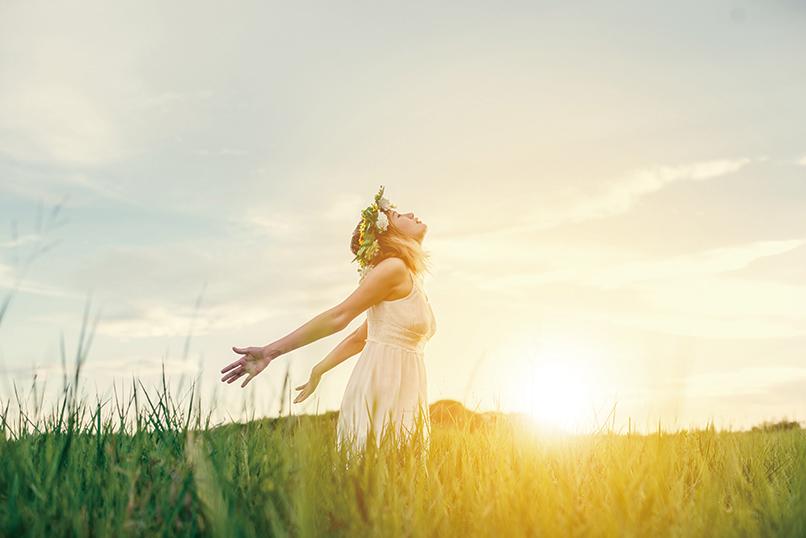 一項最新研究證實,日照時長是影響人們情緒健康的重要天氣變量。(jcomp_Freepik)