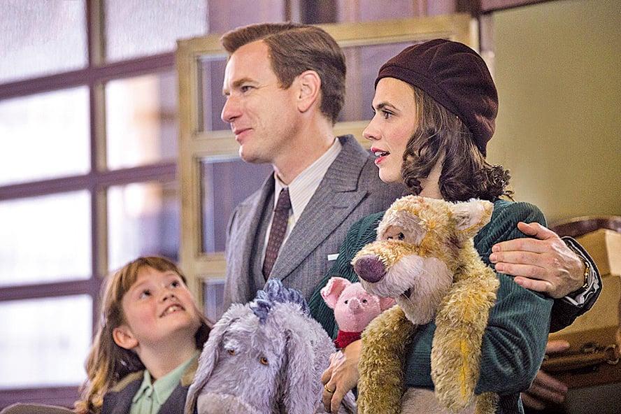 羅賓與伊芙琳的女兒瑪達琳(左一)是個很有冒險精神的孩子,電影後半段以她為核心的精彩歷險,為電影增添可看性。