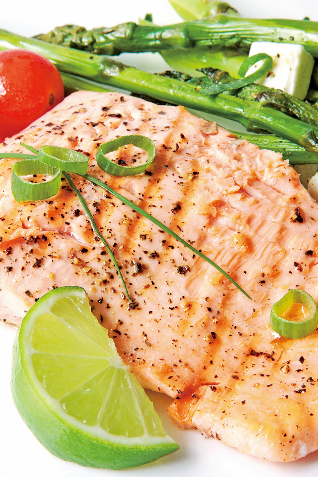 使用三文魚排料理,方便又容易調味。