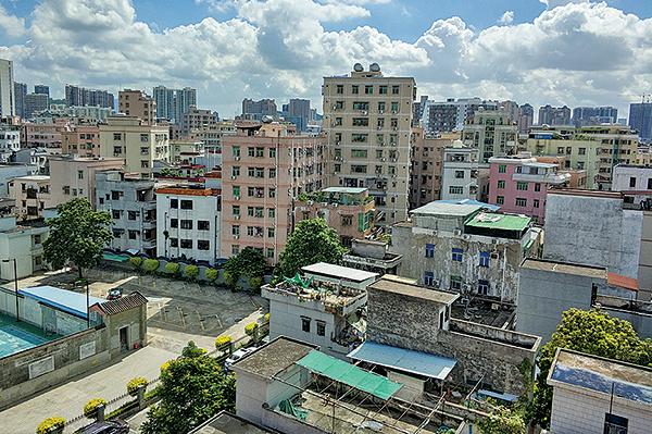 深圳市寶安西鄉城中村的樓房。(大紀元資料室)