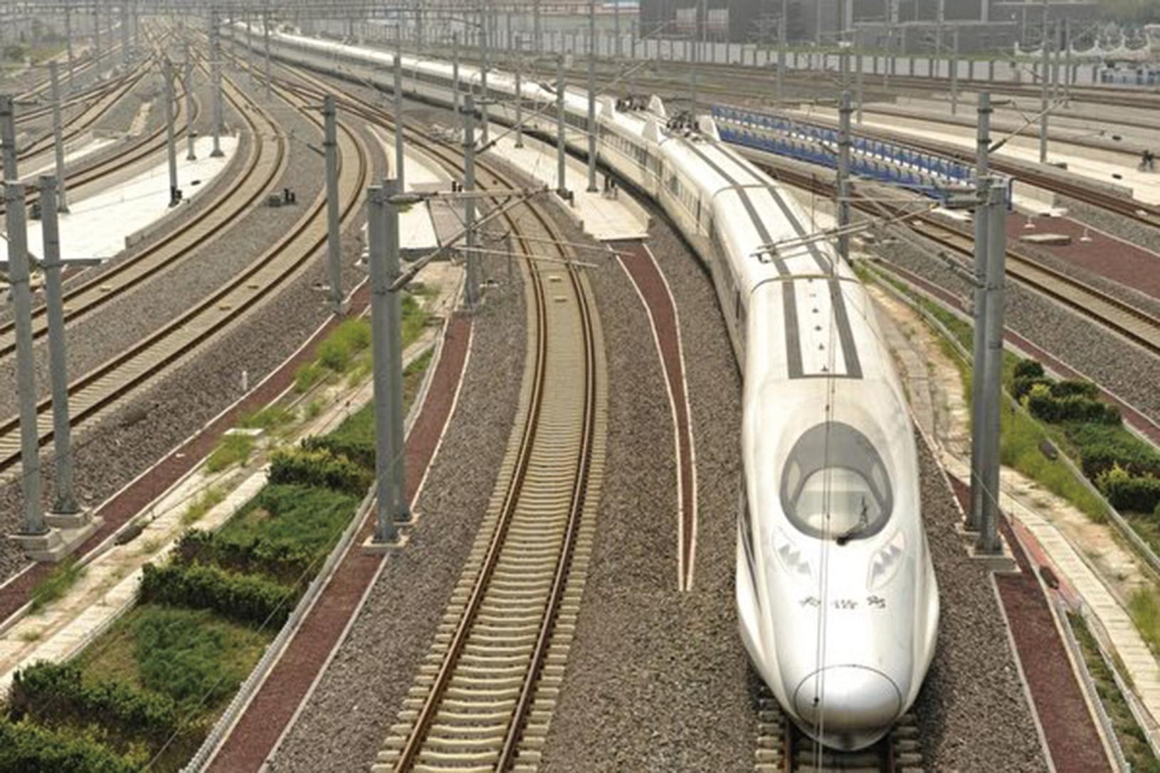 中國鐵路部曾驕傲的說,「中國用六年的時間跨越世界鐵路發達國家一般要三十年的歷程」。(Getty Images)