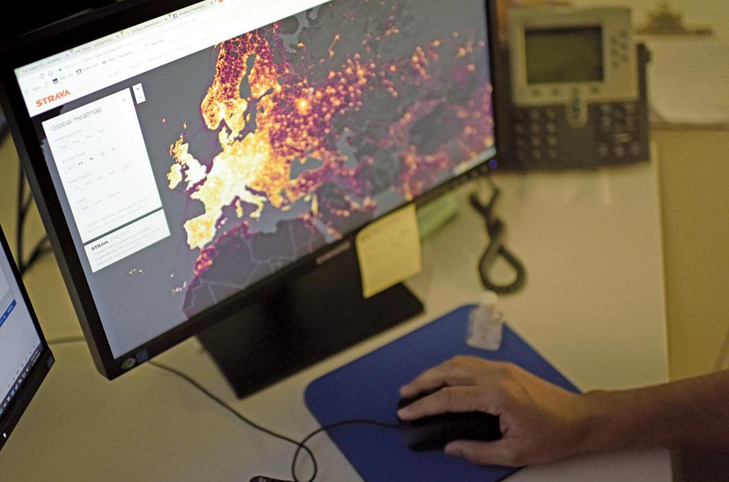 健身設備定位追蹤公司「斯特拉瓦(Strava)實驗室」去年11月發佈了一張全球熱力圖,引發對安全問題關注。(AFP)