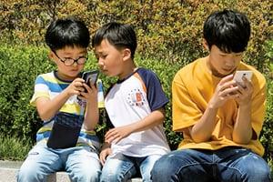 南韓「人手一機」 對社會負面影響巨大