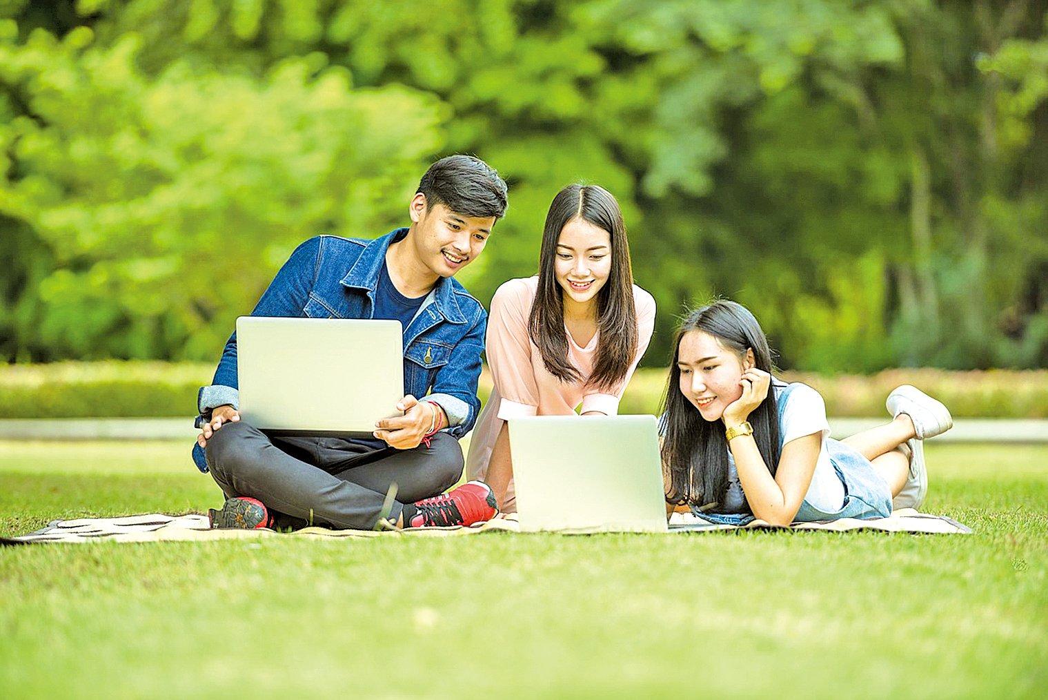 海外留學不僅可以開闊孩子們的心智,如果做得好還能使孩子更全面地發展,更富有同情心。(Pixabay.com)