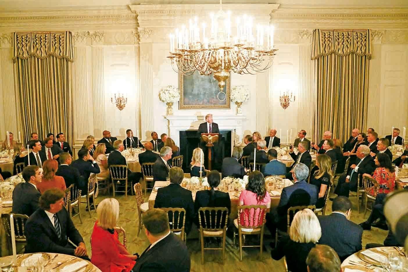 8月27日晚上,美國特朗普總統在白宮國家宴會廳,歡迎來自全國各地的牧師和宗教領袖,表示支持宗教信仰,並保護宗教自由。(Samira Bouaou/大紀元)