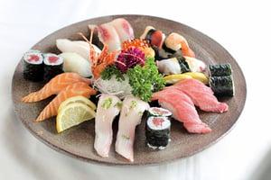 吃生魚壽司後 南韓男子左臂慘被截肢
