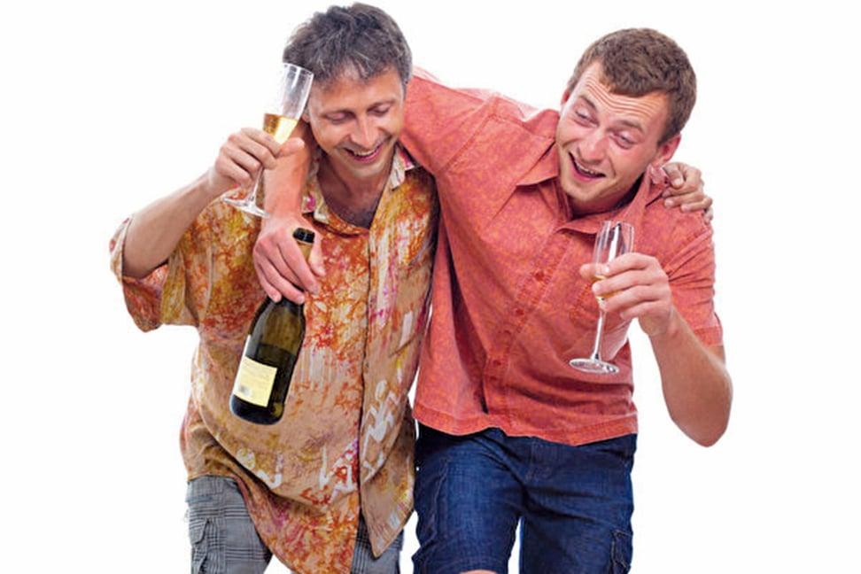 最新研究證實,飲酒是沒有安全量,無論飲酒多少,都會增加健康問題和死亡風險。(fotolia)